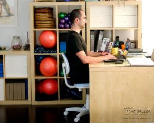 4 exercícios de Pilates que você pode fazer no trabalho - extensão torácica